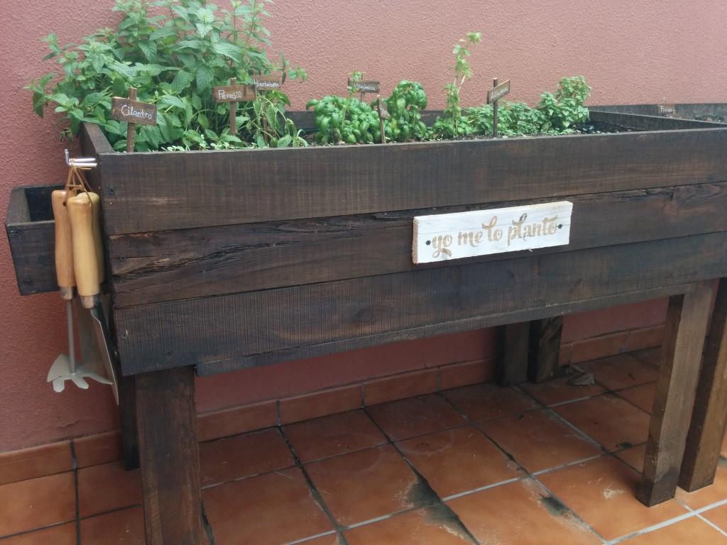 C mo hacer un huerto urbano con palets - Cuanto cuesta un palet de madera ...